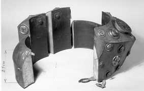 Ritterharnisch - offen gut zu erkennen: Die einzelnen hohlen Metallsegmente.