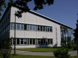 Das Firmengebäude in Holm (seit 2004)
