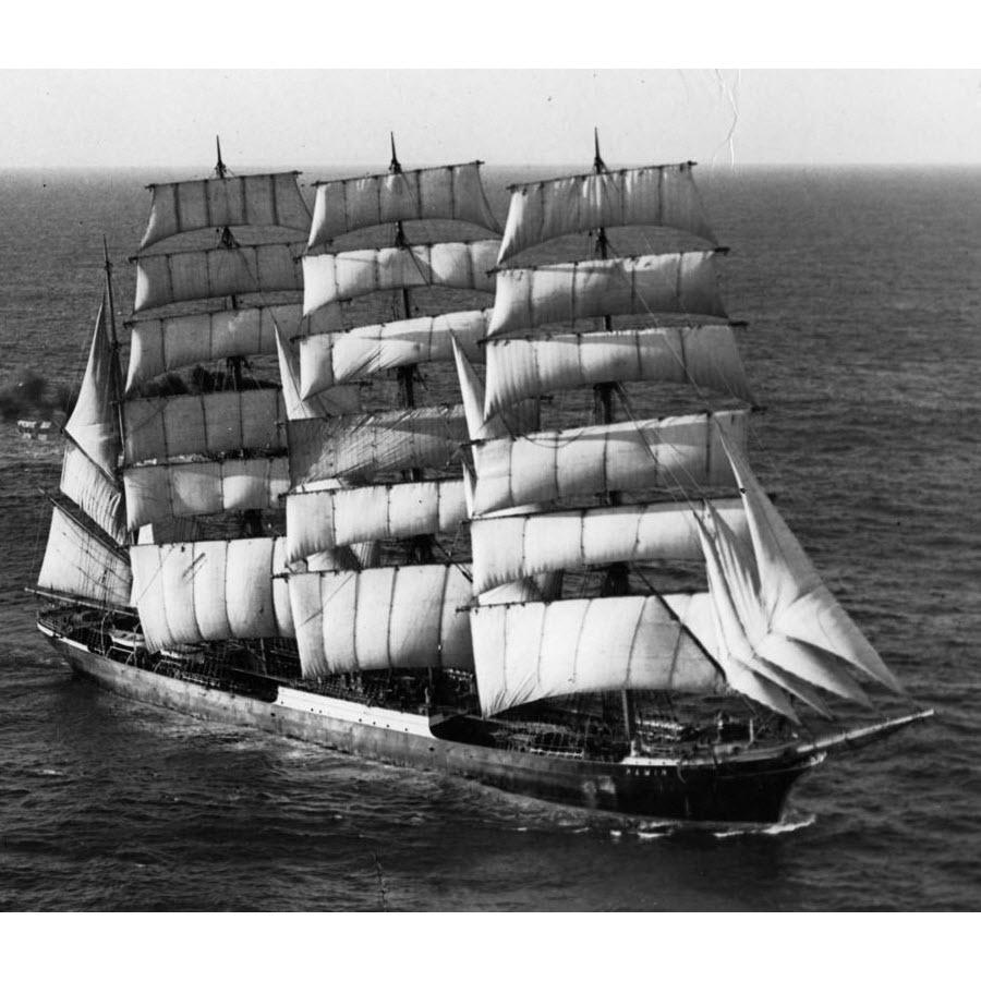 Was für ein Schiff! Die Pamir unter Vollzeug.