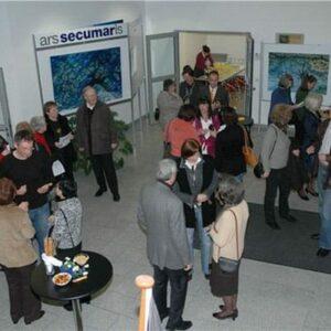 Regelmäßig wird das Foyer der SECUMAR-Betriebsstätte für Ausstellungen und Konzerte genutzt.